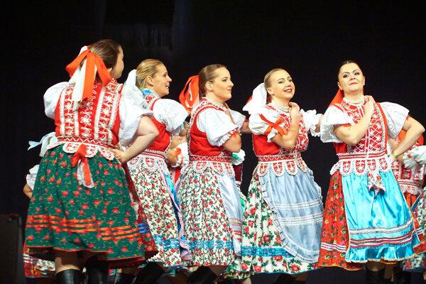 Rok na Gemeri 2016. 22. ročník folklórnych slávností si nenechali ujsť stovky divákov.