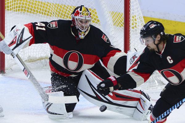 Brankár Craig Anderson z Ottawy Senators má výbornú formu.