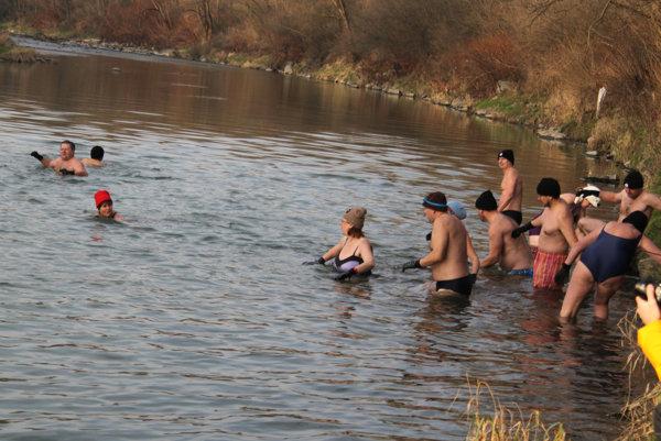 Rieka Kysuca bude plná otužilcov.
