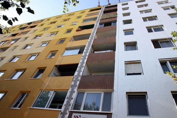 Fond zatiaľ registruje 25 podaných žiadostí, vlastníci z mestských bytoviek chcú zateplovať.