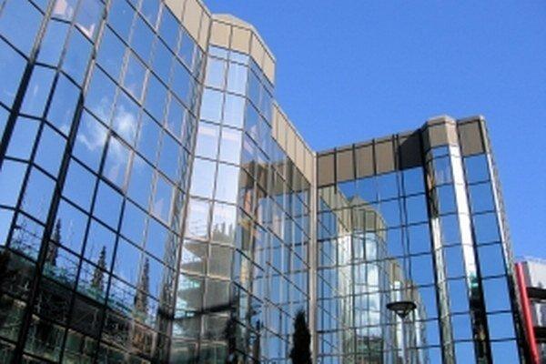 Nájomcovia chcú kvalitné priestory. No počet miest s obmedzenou ponukou takýchto kancelárií narastá, čo tlačí na rast nájomného.