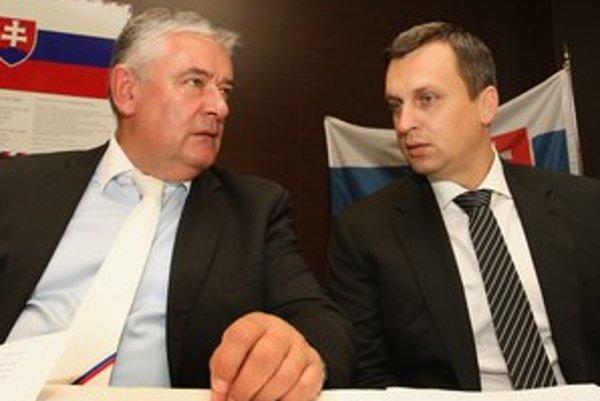 Predsedovia SNS – Ján Slota so svojím nástupcom Andrejom Dankom.