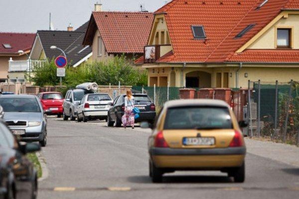 Školu v Čiernej Vode potrebujú už od začiatku budovania lokality. Najbližšia, v Chorvátskom Grobe, je plná.