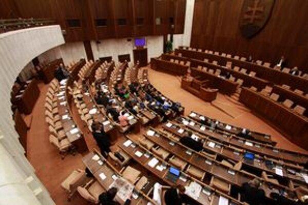Parlament schválil dva nové pamätné dni.