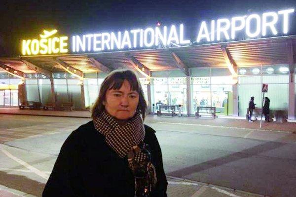 Iveta Rajtáková. S klientom sa bola na letisku rozlúčiť.