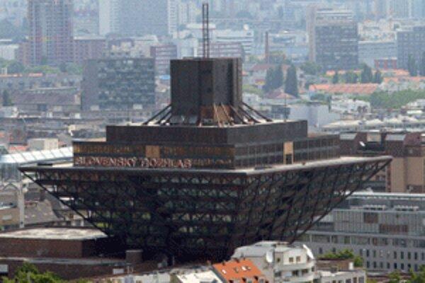 Slovenský rozhlas sa možno zlúči so verejnoprávnou televíziou.
