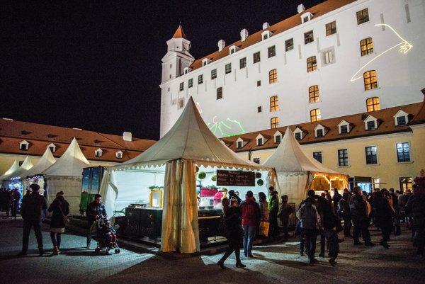 Tento rok pribudli vianočné trhy aj na hrade.