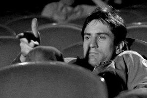 Robert De Niro vo filme Taxi driver z roku 1976.