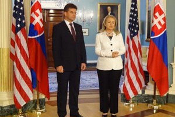 Minister zahraničných vecí Miroslav Lajčák s Hillary Clintonovou.