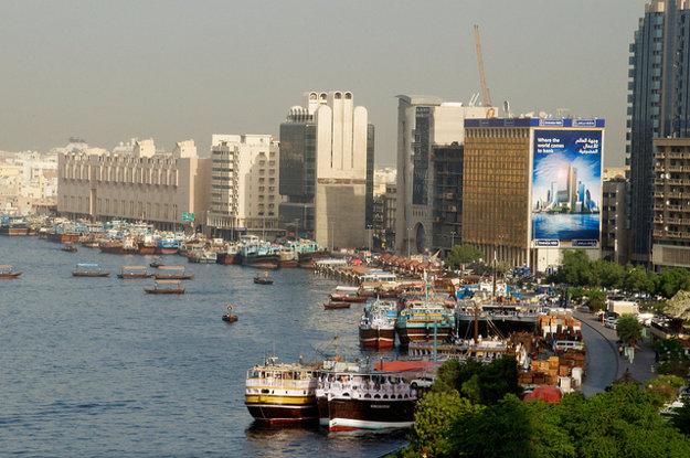 Výletné plavby sú zaujímavou možnosťou prehliadky časti Dubaja.