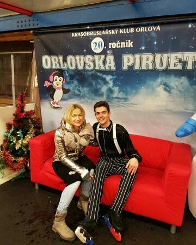 Simon Fukas s trénerkou Škorničkovou.