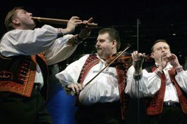 Zlaté husle prídu do prievidzského kostola Piaristov až začiatkom roku 2011.