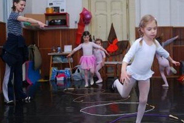 Deti z tanečných krúžkov.