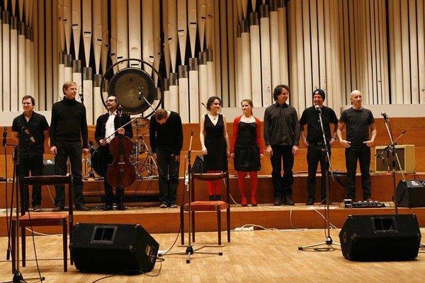 Kapela Home Made Mutant na poslednom koncerte v roku 2012.