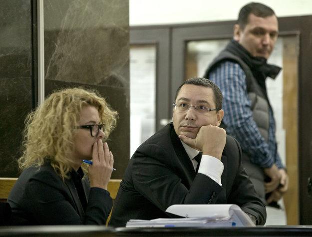 Victor Ponta: z premiéra sa stal obvinený. Stále ho neodsúdili.