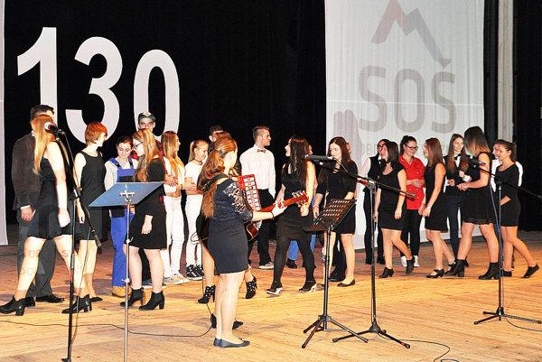 Slávnostná akadémia k 130. výročiu Strednej odbornej školy obchodu a služieb v Dolnom Kubíne.