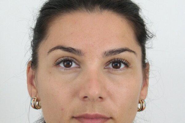 Hľadaná 34-ročná Andrea Vlčeková, ktorú v utorok medzi 07:00 a 08:00 uniesli pravdepodobne v blízkosti škôlky na Ulici R. Dilonga v Hlohovci.