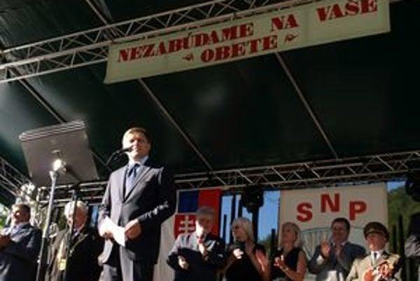 Robert Fico oslavuje výročie povstania v hornonitrianskej obci Lehota pod Vtáčnikom pravidelne od roku 2006.