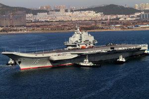 Čínska lietadlová loď - Liao-ning.