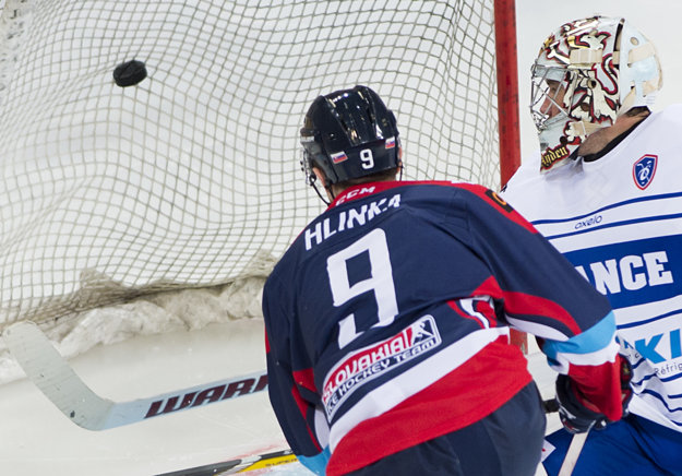 Michal Hlinka je ďalším Slovanistom, ktorý sezónu dohrá v Trenčíne.