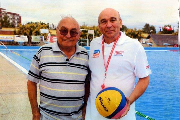 Krajčíkovci sú zakladateľmi plávania a vodného póla v Topoľčanoch. Krajčík starší (vľavo) je vôbec posledným žijúcim zakladateľom turnaja O štít Topoľčian. Vpravo 60-ročný Milan Krajčík.