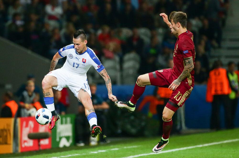 15. jún 2016. Marek Hamšík počas zápasu s Ruskom na ME vo futbale v Lille.