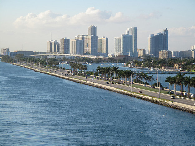 Nalodenie na plavbu Karibikom je v Miami v USA.
