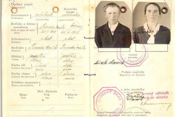 Spoločný cestovný pas manželov Masarikovcov z roku 1939.