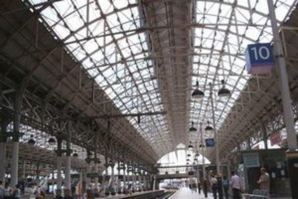 Železničná stanica Piccadilly v Manchestri.