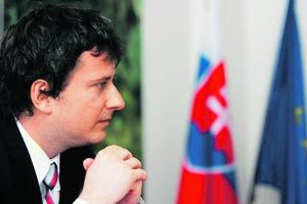 Proti výmene šéfa ÚPN  sú bývalí disidenti Ján Čarnogurský či František Mikloško.
