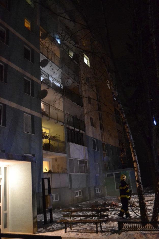 Horelo na 5. poschodí.