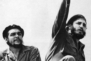 Che Guevara a Fidel Castro v roku 1961.