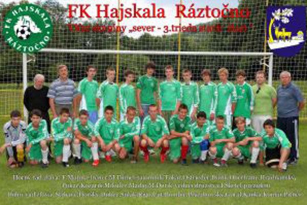 Mladí hráči FK Hajskala Ráztočno.