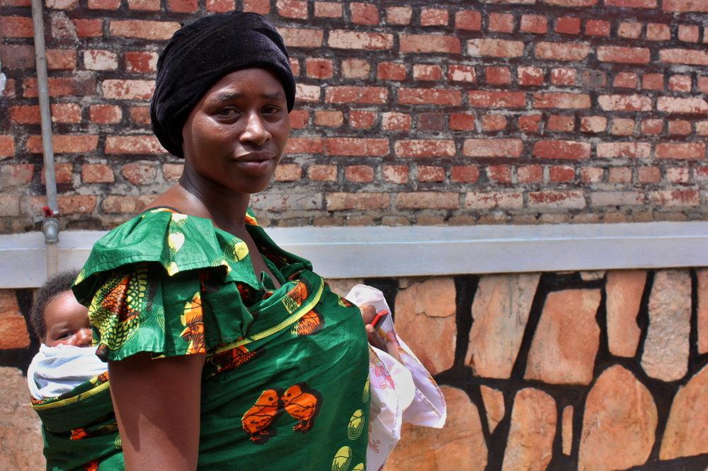 Marie Louise Mukamanová sa o pestovaní kávy učila od otca, dnes pokračuje v biznise.