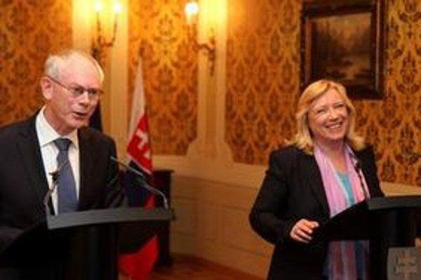 Predseda Európskej rady Herman Van Rompuy a premiérka Iveta Radičová.