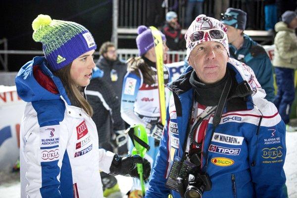 Petra Vlhová a jej tréner Livio Magoni.