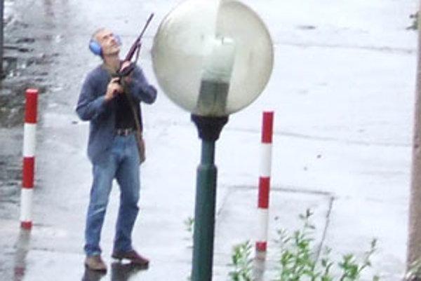Ľubomír Harman, ktorý v roku 2010 v Devínskej Novej Vsi zastrelil sedem ľudí, bol podľa susedov samotár a čudák, ktorý sa nikdy nikomu nepozdravil.