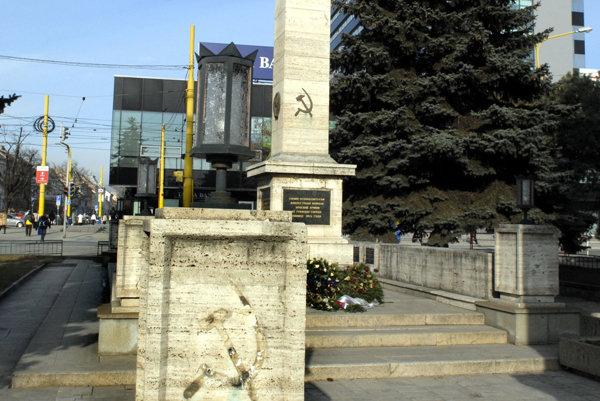 Pamätník osloboditeľom v Košiciach. Pomník padlých vojakov.