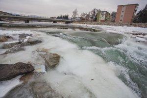 Ľadová povodeň na rieke Belá.