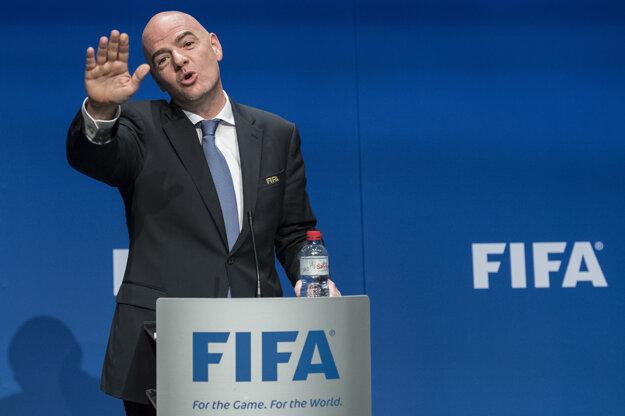 Malé krajiny ďakujú súčasnému šéfovi FIFA. Práve Gianni Infantino stojí za rozšírením účastníkov MS.