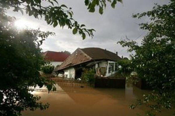Najväčšia časť peňazí išla na odstraňovanie následkov povodní.