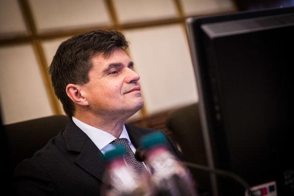 Minister školstva Peter Plavčan (nominant SNS).