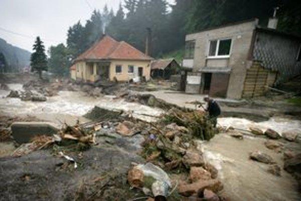 Obec Píla po povodni.