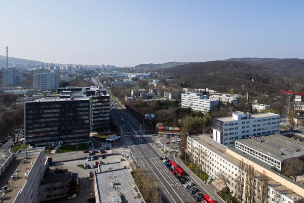 Pohľad na areál bývalej vojenskej nemocnice na bratislavskej Patrónke.