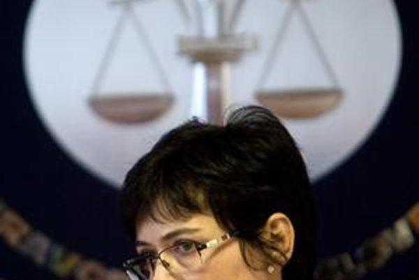 Lucia Žitňanská chce najprv debatovať.