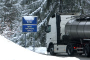 Horský priechod Šturec je uzavretý pre vozidlá dlhšie ako desať metrov.