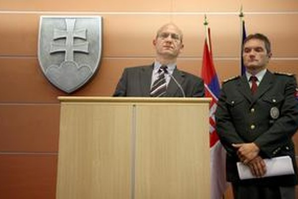 Csaba Faragó (vpravo), z okresného riaditeľa je krajský.
