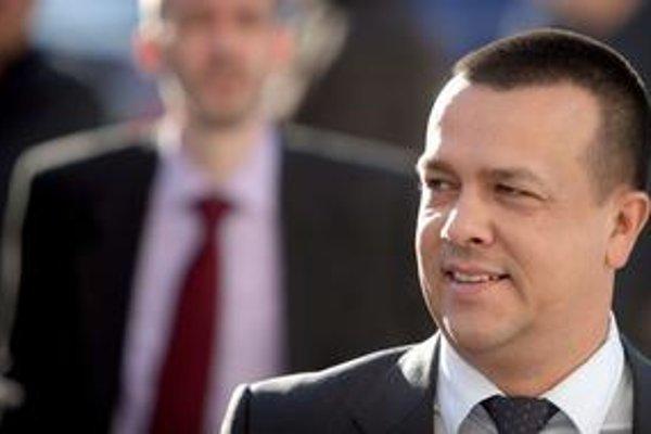 Za predaj teplární je aj minister hospodárstva Juraj Miškov (SaS).