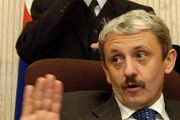 Mikuláš Dzurinda pred siedmimi rokmi zvolenie Dobroslava Trnku nepodporoval. No kým vzťahy iných k Trnkovi chladli, šéfovi SDKÚ dnes neprekáža.