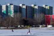 V online predpovedi počasia Petržalky sa dá zistiť koľko stupňov je v ktorej lokalite mestskej časti, či sneží, prší, fúka alebo svieti slnko.